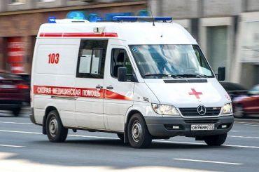 Пожилой водитель погиб назаводе Nissan вПетербурге