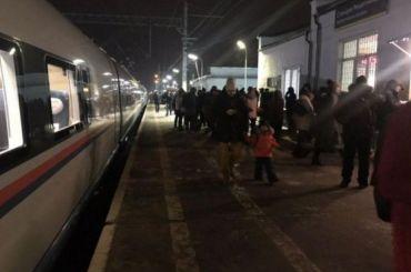 Пассажирам сломавшегося «Сапсана» вернут деньги забилеты
