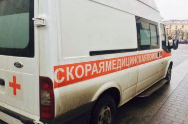 Иномарка перевернулась вКрасном Селе при попытке обогнать автобус