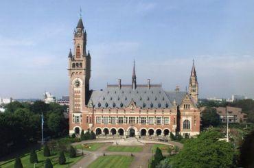 Россия проиграла суд вГааге против акционеров ЮКОСа