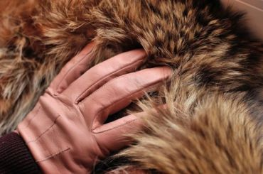 Из-за аномальной зимы вПетербурге подешевела теплая одежда