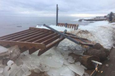 Шторм разрушил пляж вЛисьем Носу за56 млн рублей