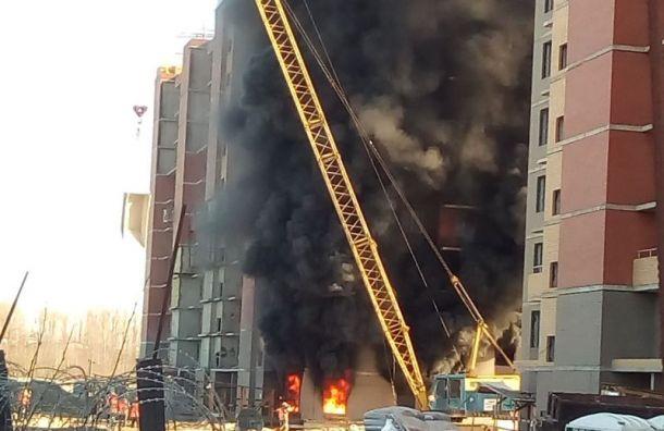 Строящийся дом загорелся вКолпине