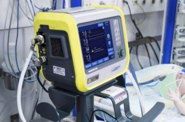 Ученые рассказали обопасности использования аппартов ИВЛ для двух пациентов