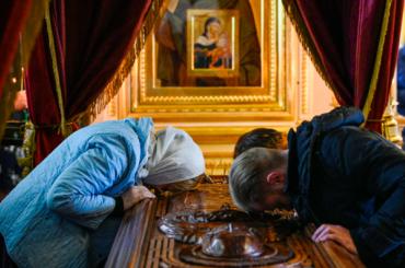 РПЦ идет против запретов петербургских властей