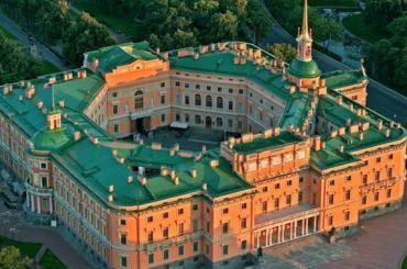Реставрация интерьеров Михайловского замка обойдется в52 млн рублей