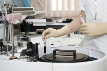 Результаты анализов накоронавирус вПетербурге будут готовить засутки
