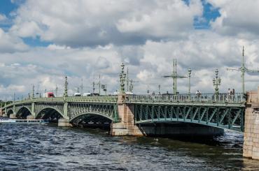 Первая разводка мостов вПетербурге ожидается 17марта