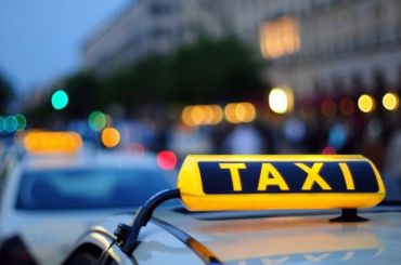 Таксисты грустят вмашинах