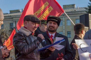 Коммунисты России призвали Беглова закрыть церкви силами полиции