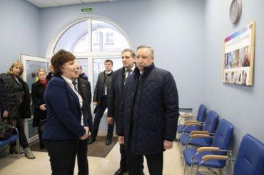Беглов проверил работу Центра организации социального обслуживания