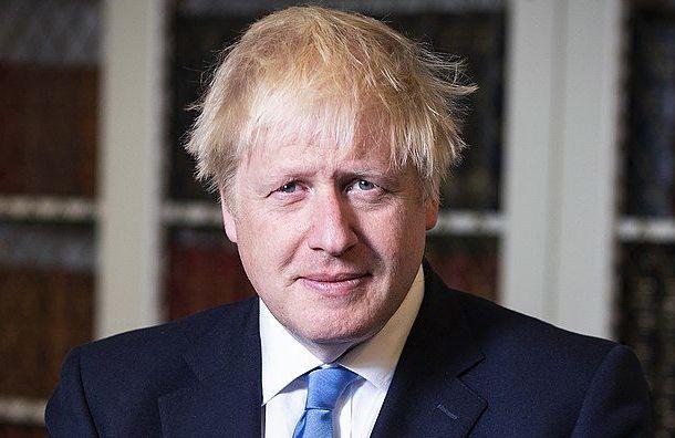 Жителей Британии обязали перейти надомашний карантин из-за пандемии