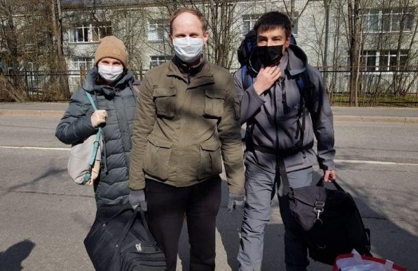 Волонтеры «Перспектив» ушли навахту вдетдом вПавловске