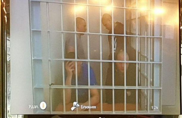 Суд отправил вколонию преступную группу, сбывающую наркотики