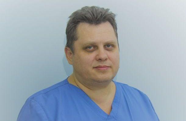 Родным умершего нейрохирурга Александровской больницы выплатят 1 млн рублей