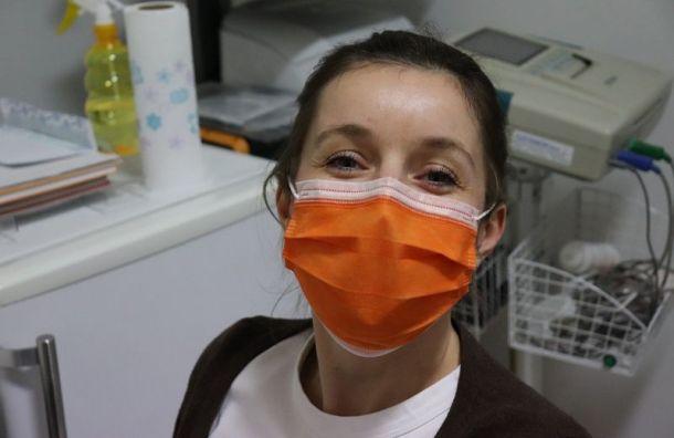 Более 7 тысяч петербуржцев проверили засутки накоронавирус