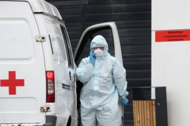 Два человека засутки скончались вПетербурге из-за коронавируса