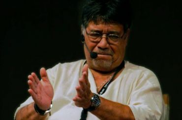 Писатель Луис Сепульведа умер от коронавируса