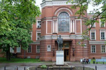 Петербургским медикам борющимся скоронавирусом перевели 220 млн федеральных денег