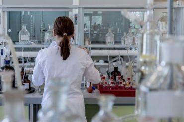 Более 46% новым зараженным коронавирусом вМоскве от18 до45 лет