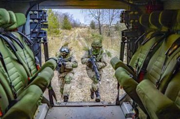 Готовившиеся кпарадам Победы войска ЗВО вернули вчасти накарантин