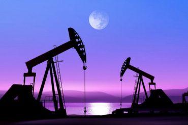 Доллар перевалил за76 рублей вслед западающей нефтью
