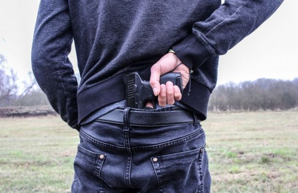 Мужчина выстрелил впожилого брата вовремя застолья