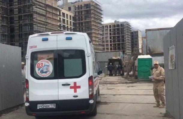 Фоторепортаж: после обрушения строительных лесов наРасстанной улице