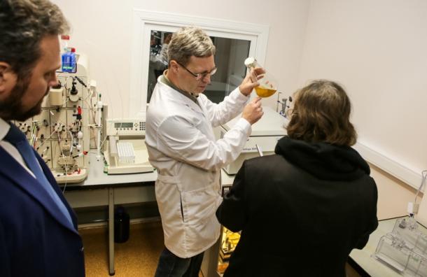 Ученые СПбГУ разрабатывают назальный спрей для лечения COVID-19