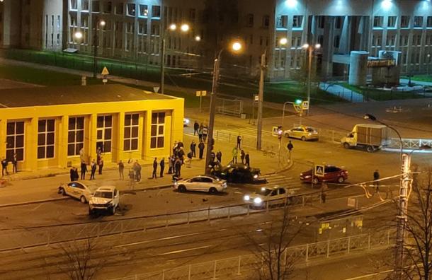 Смертельная авария произошла ночью вВыборгском районе