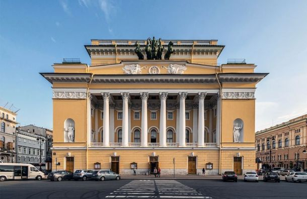 Открытие театров вПетербурге может затянуться досентября