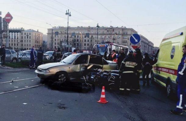 Мотоциклист погиб ваварии наМосковском проспекте