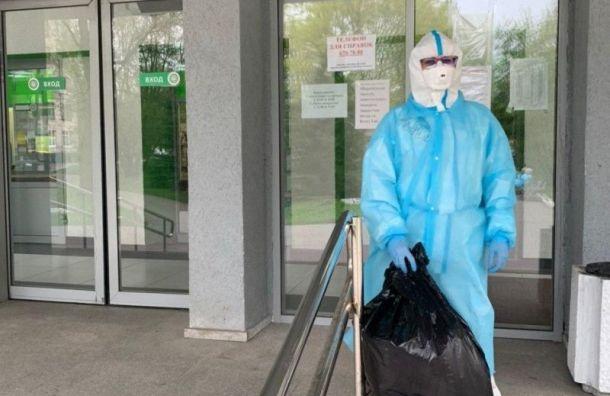 Петербургский депутат закупает СИЗы для медиков