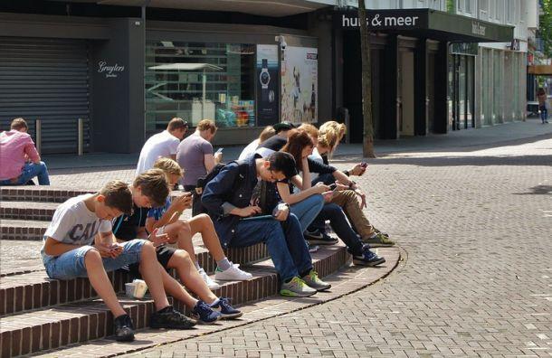 Попрограмме временной занятости вПетербурге трудоустроят 12 тысяч подростков
