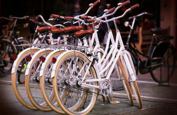 Прокат велосипедов вПетербурге откроют вконце мая