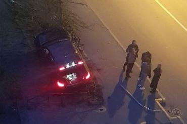 Дай прокатиться: девушка зарулем BMW устроила ДТП наСаблинской