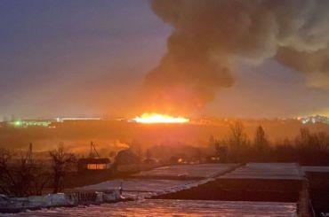 ВПетербурге горела фабрика попошиву медицинских масок