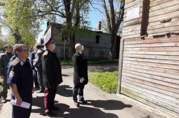 СК требует уволить главу Новой Ладоги после пожаров вдомах-памятниках