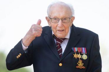 Британский 100-летний ветеран Том Мур станет рыцарем