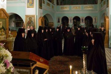 Очевидец: десяток монахинь Иоанновского монастыря лежат вПокровке