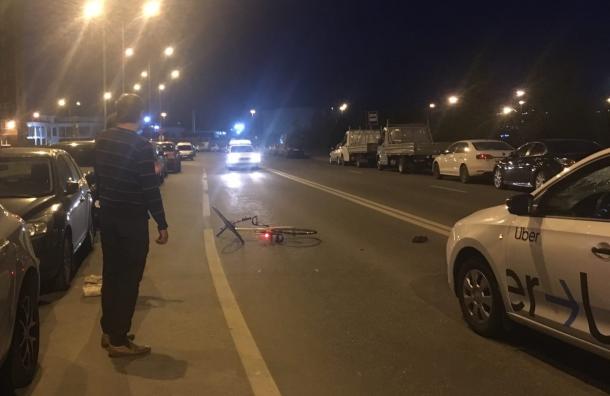Ночью таксист сбил велосипедиста вКудрове