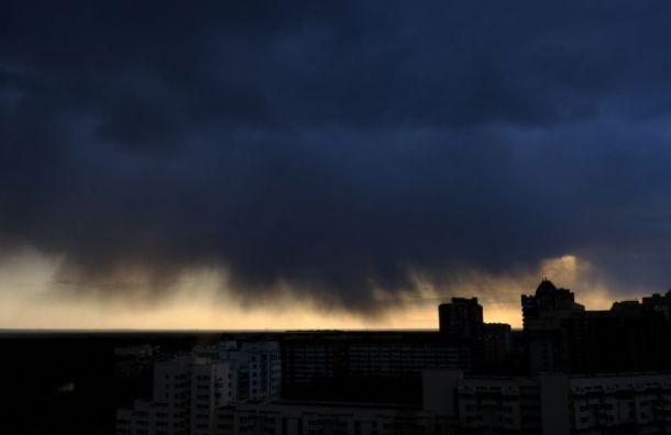 МЧС предупреждает: вПетербурге пройдут грозы