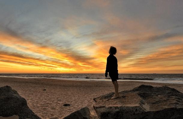 Речи оботкрытии пляжей вЛенобласти пока неведется