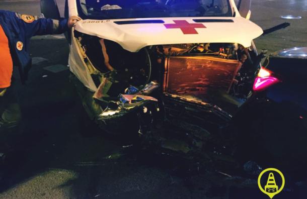 Машину скорой помощи сбил 19-летний водитель