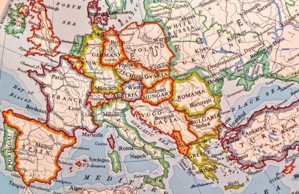 Евросоюз начнет открывать границы с1июля, нонедля России