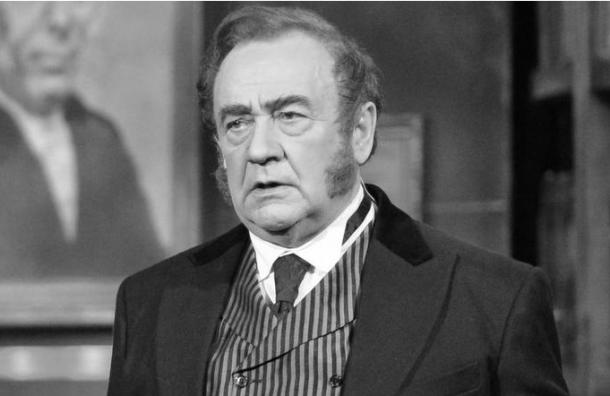 Умер солист петербургского театра Музкомедии Виктор Чубаров