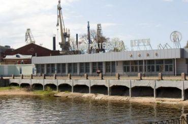 Взрыв произошел настроящемся судне вПетербурге