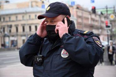 Петербургскую активистку задержали уГостиного Двора