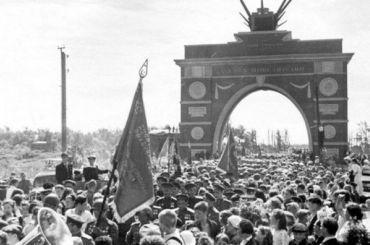 Временной триумфальной арке вАвтово исполняется 75 лет