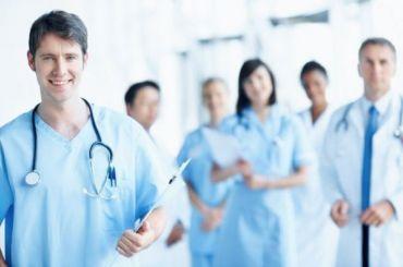 Дополнительные выплаты врачам продлят досентября